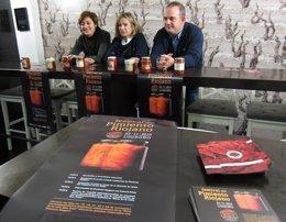 Foto: Degustaciones y asado en el Festival del Pimiento (EUROPA PRESS)