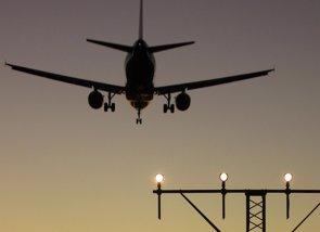 Foto: Vivir bajo una ruta aérea aumenta el riesgo de hipertensión, infarto e ictus (EUROPA PRESS)