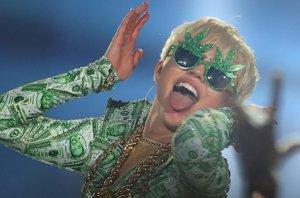 Foto: Miley Cyrus y sus felices 22, tras un año lleno de polémicas y extravagancias (GETTY )