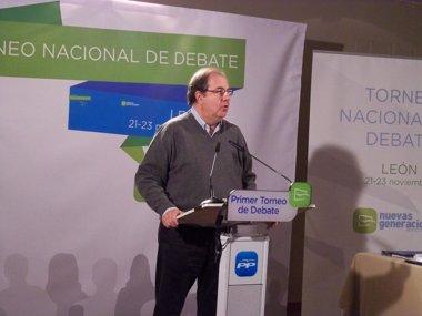 Foto: Herrera pide a los jóvenes del PP que tengan casta (EUROPA PRESS)