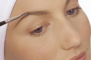 Foto: Diseña tus cejas perfectas según la forma de tu propio rostro (CORDON PRESS)
