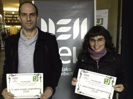Foto: Itziar Gonzalez-Dios eta Eneko Bidegain, #txiotesia2 lehiaketako irabazleak (UEU)