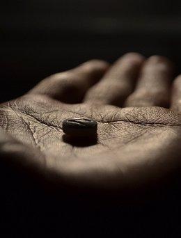 Foto: El mal uso de medicamentos o su mala prescripción provocan una muerte diaria en Asturias ( KLESTAAAAAA/FLICKR)