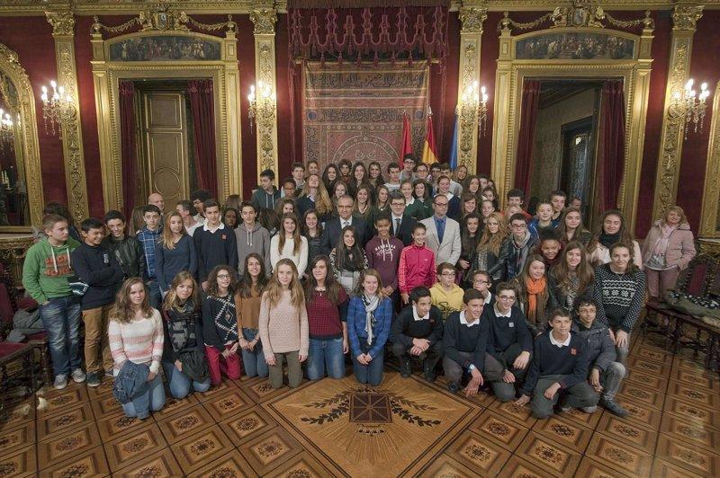 Iribas recibe a estudiantes del programa de intercambio con Aquitania - Europa Press