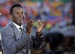 Foto: Pelé mejora su salud, pero permanece en cuidados intensivos (REUTERS)
