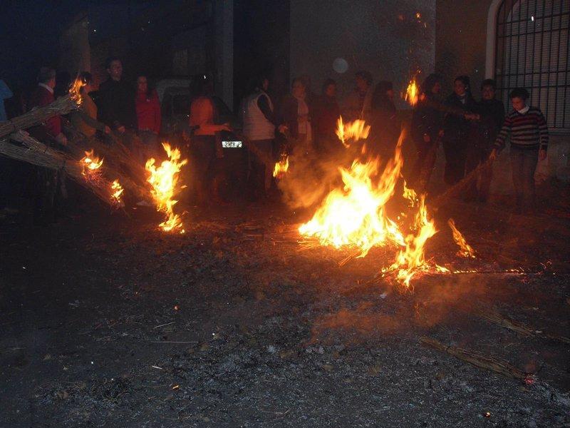 Las calles de Bollullos arderán en la víspera de la Inmaculada con ... - Europa Press