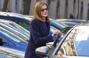 Foto: La Reina Letizia presume y repite look 'working girl' (JRH)