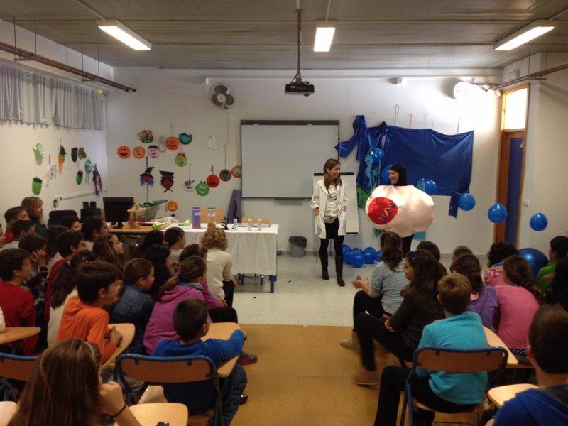 Más de 500 escolares participan en talleres sobre biomedicina y ... - Europa Press