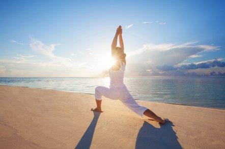 Foto: Practicar yoga reduce el riesgo cardiovascular (GETTY)