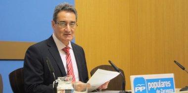 Foto: El PP pide explicaciones a Belloch por ocultar información de las grietas del canal de aguas bravas (EUROPA PRESS)