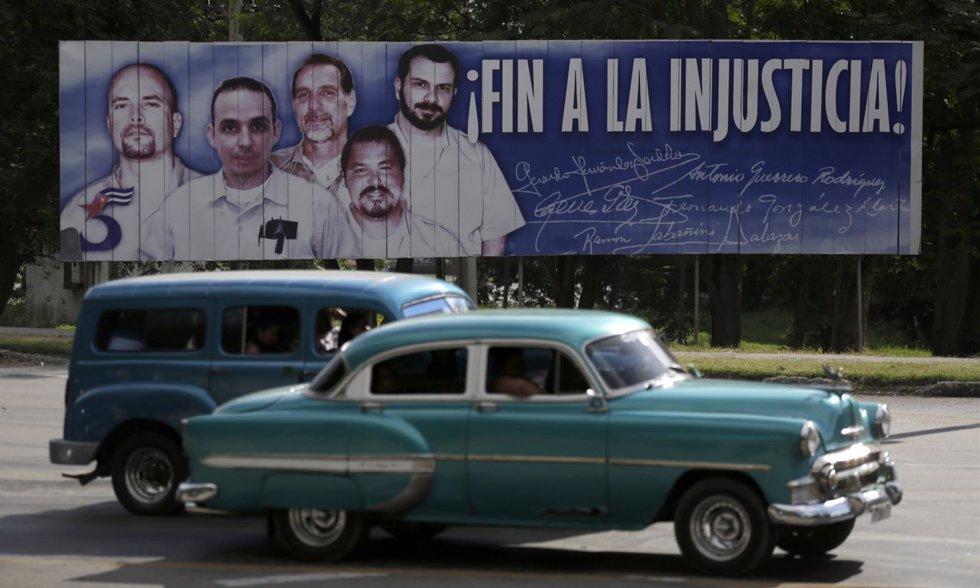 """Foto: Obama y Castro anuncian el """"restablecimiento"""" de relaciones entre EEUU y Cuba (REUTERS)"""