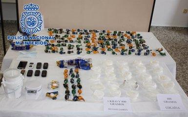 Foto: Desarticulada una xarxa dedicada a portar des d'Espanya al Japó metamfetamina en forma de bombons (POLICÍA NACIONAL)