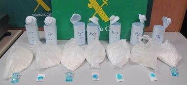 Foto: Cae una banda que introducía cocaína en el país desde Colombia con correos humanos (GUARDIA CIVIL)