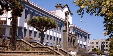 Foto: Educación distribuye 7,8 millones de euros entre las universidades canarias (EMETERIO SUAREZ)