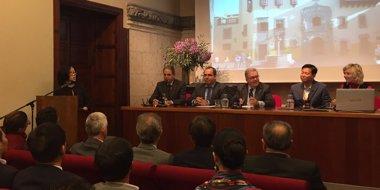 Foto: Una delegación de 70 empresarios chinos se interesa por las posibilidades de inversión que ofrece Gran Canaria (EUROPA PRESS)
