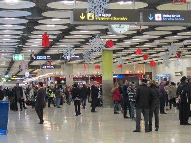 Foto: Más de 2 millones de pasajeros pasarán por los aeropuertos de Aena en el primer fin de semana navideño (BARAJAS)