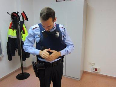 Foto: Sindicats de Mossos critiquen no tenir dades sobre les proves efectuades a les armilles antibales (RUGS)