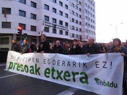 """Foto: Manifestación en Pamplona por """"los derechos de los presos"""" de ETA (EUROPA PRESS)"""