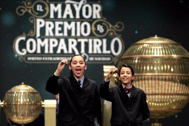 Foto: El 'Gordo' de la Lotería de Navidad 2014 deja 80 millones en El Bosque (EUROPA PRESS)