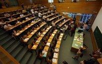 Foto: Aumenta un 4,3% el número de médicos aspirantes a las plazas MIR convocadas por Sanidad (EUROPA PRESS)