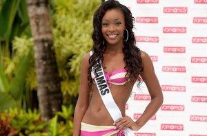 Foto: Miss Bahamas se desmaya en pleno ensayo de Miss Universo (GETTY)
