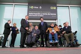 Foto: Titsa mejora el Intercambiador de Santa Cruz de Tenerife para facilitar la accesibilidad a personas con discapacidad (CEDIDA)