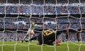 Foto: Discapacitados denuncian al Real Madrid por cánticos vejatorios en el Bernabéu (JUAN MEDINA / REUTERS)