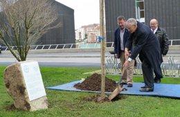 Foto: La Facultad de Filosofía rinde homenaje a John Elliot (UC)