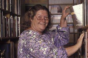 Foto: Muere Colleen McCullough, autora de la novela 'El pájaro espino' (GETTY)