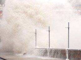 Foto: El viento, la lluvia, las olas y la nieve ponen en alerta a Andalucía (EUROPA PRESS)
