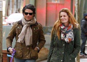 Foto: Olivia de Borbón y Julián Porras, romántico paseo por las calles de Madrid (EUROPA PRESS)