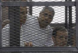 Foto: Egipto deporta al periodista australiano Peter Greste tras más de un año en la cárcel (ASMAA WAGUIH / REUTERS)