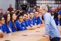 """Tim Cook (Apple): """"Estar sentado es el nuevo cáncer"""""""