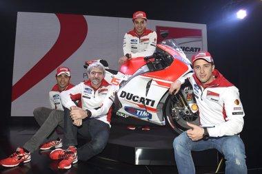 Foto: Ducati presenta la nueva Desmosedici GP15 (DUCATI PRESS)
