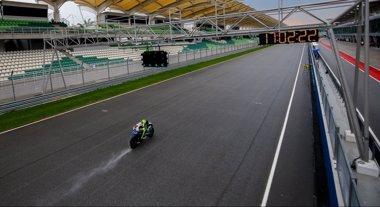 Foto: Rossi domina la primera jornada de tests en Sepang (MOTOGP.COM)