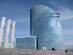 Foto: L'hotel W Barcelona busca 150 treballadors joves per a l'estiu (EUROPA PRESS)