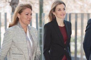 Foto: La Reina Letizia repite el vestido de cuero burdeos de Hugo Boss, pero esta vez en España (JOSÉ OLIVA)