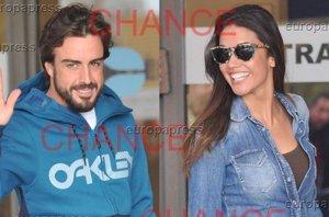 Foto: Una sonriente Lara Álvarez recoge a Fernando Alonso a la salida del hospital (CHANCE/DAVID OLLER)