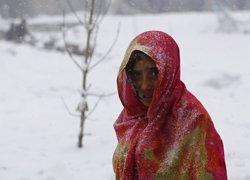 Foto: Ascendeixen a 220 els morts per les allaus a l'Afganistan a causa de les intenses nevades (OMAR SOBHANI / REUTERS)