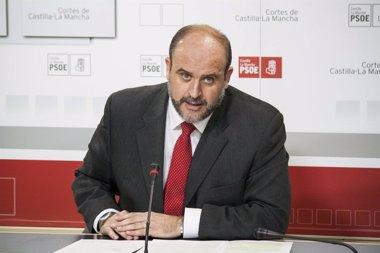 Foto: PSOE preguntará a Junta cuánto va a costar la readmisión de interinos (EUROPA PRESS)