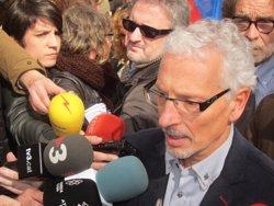 Foto: Unes 400 persones donen suport al jutge Vidal després de la suspensió dictada pel CGPJ (EUROPA PRESS)