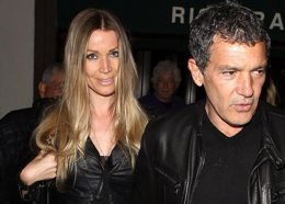 Foto: Antonio Banderas presume de amor con Nicole Kimpel por Hollywood (CORDON PRESS)