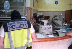 Foto: 65 detinguts d'una banda que va estafar mig milió a estrangers amb 'phishing' (CEDIDA POR EL CNP)