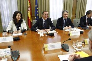 Foto: El Gobierno ofrece a las CCAA un plan para financiar a 10 años el tratamiento de la hepatitis C (EUROPA PRESS)