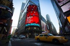 Foto: El Nasdaq toca los 5.000 puntos 15 años después de la burbuja tecnológica (REUTERS)