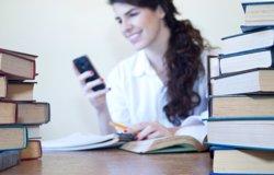 Foto: MWC.- 500 professors debatran sobre l'ús del mòbil als instituts (GETTY/MAELENA1)