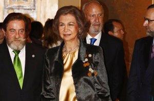 Foto: La Reina Sofía entrega el Premio de Pintura y Escultura a Juan José Vicente Ramírez (EUROPA PRESS)