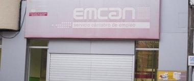 Foto: Cantabria lidera el descenso del paro en febrero (EUROPA PRESS)
