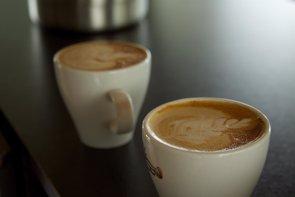 Foto: Entre 3 y 5 tazas de café al día ¿Bueno para la salud de las arterias? (FLICKR/MCKAY SAVAGE)