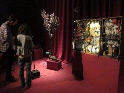 Foto: CaboSanRoque exhibeix els seus collages mecànic-sonors en una mostra a l'Arts Santa Mònica (EUROPA PRESS)